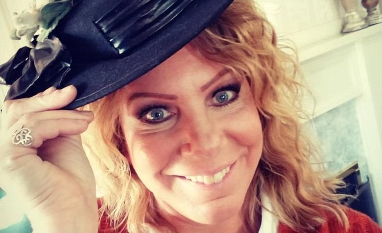 Sister Wives Meri Brown Tipping Hat