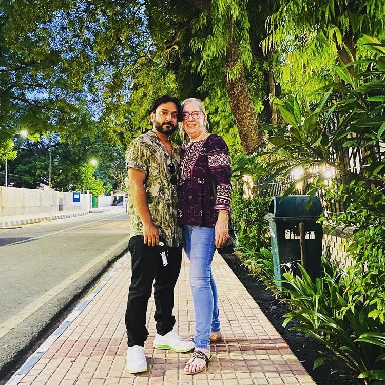 90 Day Fiance Sumit Singh Jenny Slatten Pic Instagram